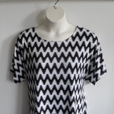 Tracie Shirt - Black/White Aztec Chevron Cotton Knit | Short Sleeve Shirts