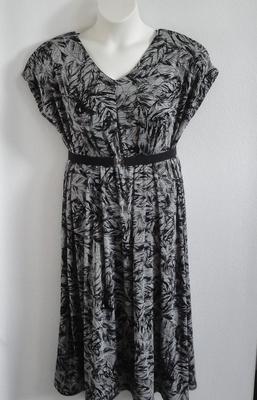Randi Dress - Black/Gray Leaves Acetate Blend | Dresses