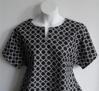 Image Gracie Shirt - Black Flower Outline