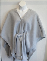 Image Shandra FLEECE Cape - Light Gray