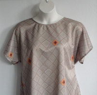 Image Tracie Shirt - Tan Geometric Wickaway